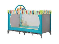 BRAND NEW IN BOX DELUXE WINNIE THE POOH TRAVEL COT IN POOH FLAG WITH MATTRESS FROM BIRTH £35