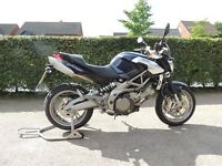 Aprilia SL 750 Shiver, low mileage, very good condition.