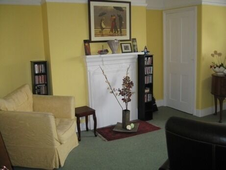 AVAILABLE NOW - Spacious 2 bed on popular residential street