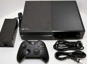 XBOX ONE   WITH 1 CONTROLLER  + HHMI CABLE MINT CONDITION.$225