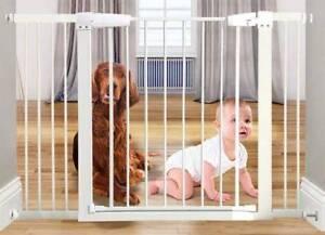 BRAND NEW - Safety Gate for Kids or Pets - DELIVERED
