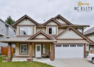 PRICE REDUCED!!! Well-laid out family home!