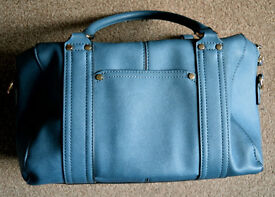 Ladies blue bag in very good condition