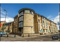3 BED, TOP FLOOR FLAT. LARGE ROOMS, OPEN PLAN, BIG LOFT AND PLENTY OF STORAGE