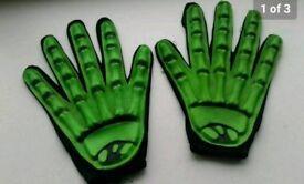 Childrens/adilts glow in the datk skeleton halloween gloves