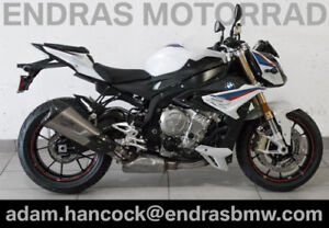 2017 BMW S1000R - Light White / Lupin Blue / Racing Red