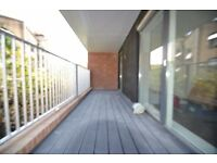 ALDGATE EAST, E1 MODERN 2 BEDROOM/2 BATH APARTMENT WITH PRIVATE BALCONY