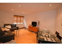 2 bedroom flat in Kingsley Mews, Wapping