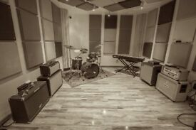 NEW MUSIC STUDIO from £5 p/hr or £80 p/day - (REHEARSAL/PRODUCTION/ RECORDING/ PRACTICE/SPACE ROOM)
