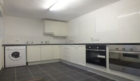 Excellent 6 Bedroom Student HMO - near City Hospital, QUB and RVH, OFCH, Broadband, Double Glazing