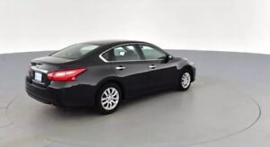 Nissan Altima 2017 - very low mileage, financing takeover