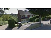 3 bedroom house in Deeds Grove, High Wycombe, HP12 (3 bed)