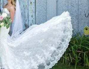 Lace strapless wedding dress - MUST GO