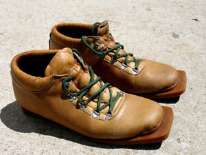 MEN'S CROSS COUTRY BOOTS