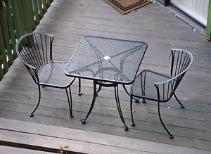 Looking for paito Chairs and little tables