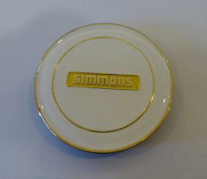 GENUINE-BRAND-NEW-WHITE-WITH-GOLD-SIMMONS-CENTRE-CAP-FOR-FR-OR-OM-SIMMONS-WHEELS