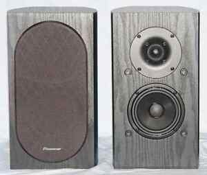 Pioneer SP-BS22 Bookshelf Speakers Kitchener / Waterloo Kitchener Area image 1