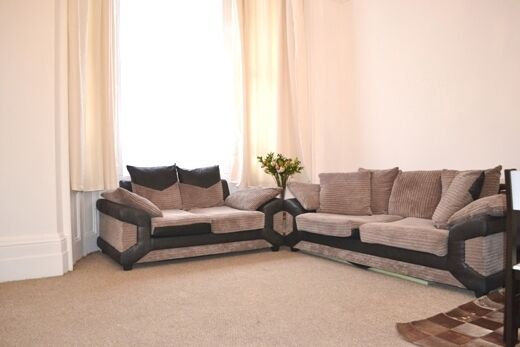 Newly refurbished!! Two bedroom flat to rent on Hogarth Road in Earls Court, SW5.
