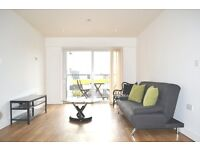 Amazing!! Modern Two Bedroom 2 Bathroom flat to rent in Colindale, Free parking, gym, swimming pool.