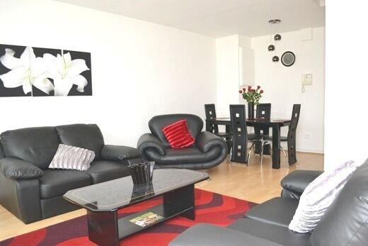 Newly refurbished!!!Two Bedroom and Two Bathroom split floor apartment in Notting-hill gate to rent.