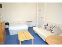 Self contained Double studio flat to rent, a minute away from Bayswater tube station.