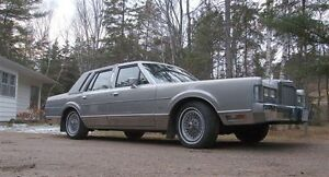 1987 Lincoln Cartier Edition Town Car seeking new home