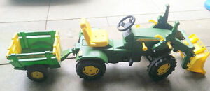 Large John Deer kids' traktor with trailer