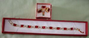 Costume jewellery: Beautiful lady's bracelets Kingston Kingston Area image 3