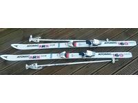 Lady's skis