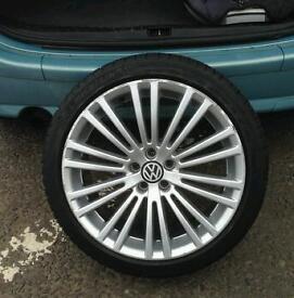 R32 18 inch alloys