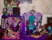 Monster High Folding High School Playset