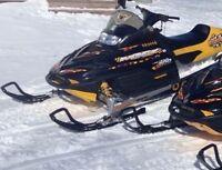 2001-700 mxz Ski Doo