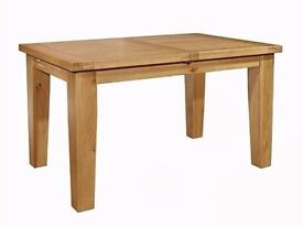 Chiltern Grand Oak Dining Table solid oak good condition