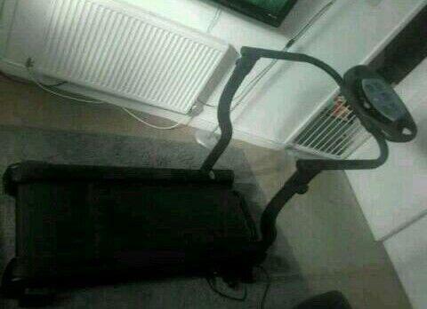 Bodysculpture electric treadmill
