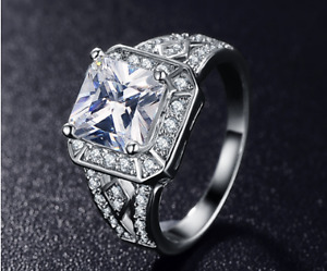Bague avec Zircon Carré, Ring with Square Zirconia