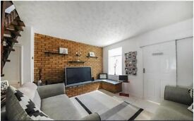 TWO DOUBLE ROOMS TO RENT