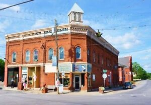Highly Visible Store Front, Downtown Madoc – $550