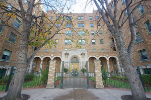 Beautiful Downtown Luxury Condo For Rent