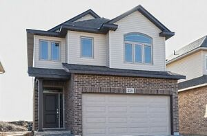 Detached 4 Bed house for Rent in Thorold Rolling Medows $2,100