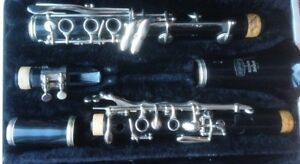 Selmer Bundy Clarinet with case