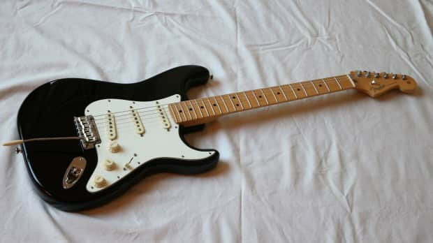 Dating a mexican stratocaster