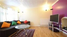 3 Bed Room House to Let-Walking distance to Reading Main Station and Town Centre (Newly Refurbished)