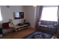 2 bedroom house in Perkin Close, Hounslow, TW3