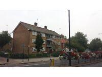 2 bedroom flat in Barking Road, London, E6