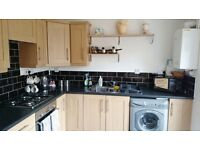 2 bedroom house in Tamworth Drive, Shaw, Swindon, SN5