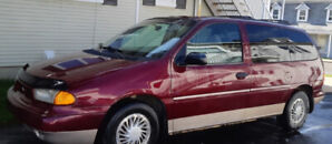FORD WINDSTAR 1998 EXCELLENTE CONDITION 133000KM A1