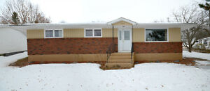 123 Sussex Ave, Riverview (MLS M108734)