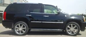 Cadillac Escalade 2011 4X4 Low KMS