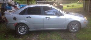 PARTING OUT 2005 Ford Focus ZX4 SE London Ontario image 6