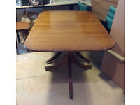 Veneer wood kitchen table.with removal middle. £50 ono